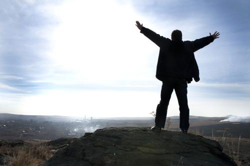 الثقة بالنفس من أهم خطوات النجاح