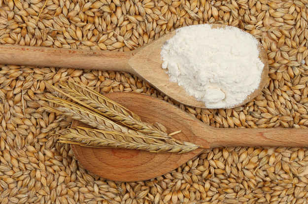 تعد التلبية وهي دقيق الشعير الكامل غير منزوع النخال غذاء مثالي لما تحويه من فوائد عديدة